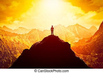 handlowy, kapelusz, przyszłość, powodzenie, perspektywa, daszek, ryzyko, mountain., usinessman