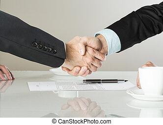 handlowy kontraktują