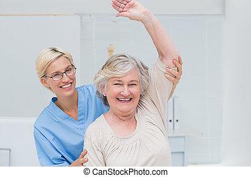 istota, wychowywanie, wsparty, pacjent, senior, ręka, pielęgnować