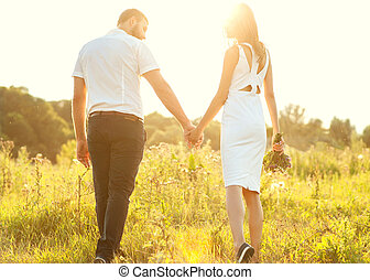 jesień, pieszy, miłość, para, park, młode przeglądnięcie, zachód słońca, dzierżawa wręcza