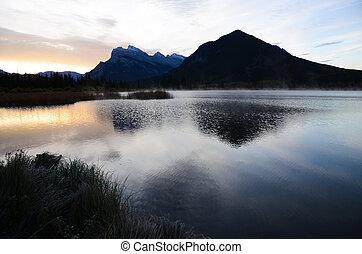 kanadyjczyk, obsada, rockies, jezioro, jesień, vermillion, rano, rundle