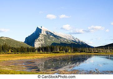 kanadyjczyk, wieczorny, obsada, rockies, jezioro, jesień, vermillion, rundle