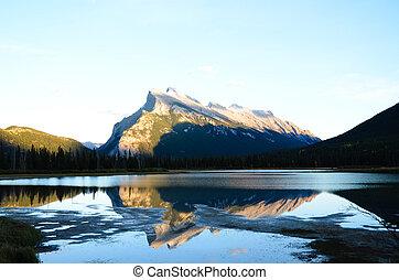 kanadyjczyk, zaświecony, słońce, obsada, rockies, jezioro, auntum, zmontowanie, vermillion, rundle