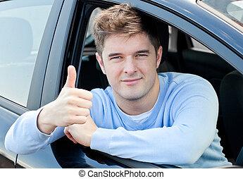 kciuk, pociągający, jego, posiedzenie, wóz, człowiek, do góry, młody