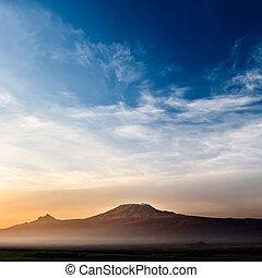 kilimandżaro, wschód słońca