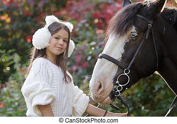 koń, kąt, posiedzenie, grzbiet koński, niski, samica, szczęśliwy, jeździec, prospekt