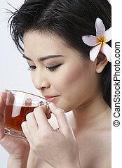 kobieta, gorąca herbata, picie, imbir