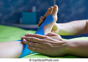 kobieta, krzywda, doktor, leg., taping