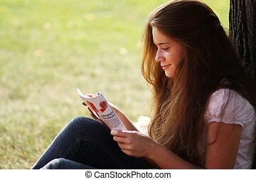 kobieta, młody, magazyn, portret, czytanie, piękny