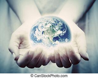 kobieta, młody, ziemia, świat, shines, oprócz, hands.