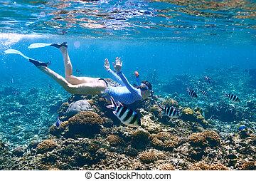 kobieta, maska, snorkeling
