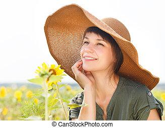 kobieta, słonecznik, młody, portret, uśmiechanie się