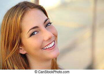 kobieta, skóra, uśmiech, doskonały, gładki, piękny, biały