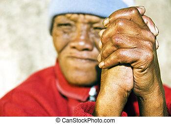 kobieta, stary, zwietrzały, fałdowe ręki, -, ognisko, afrykanin