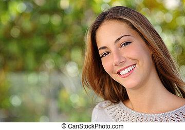 kobieta, uśmiech, doskonały, twarzowy, piękny, biały