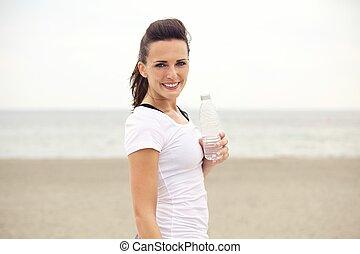 kobieta, woda, butelkowy, stosowność, plaża, szczęśliwy