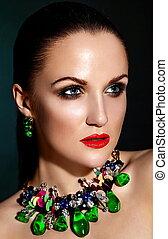 kobieta, zielony, kaukaski, włosy, makijaż, brunetka, fason, przepych, czysty, dodatkowy, młody, zdrowy, closeup, piękny, usteczka, portret, look., skóra, doskonały, jewelery, wysoki, sexy, wzór, czerwony, jasny