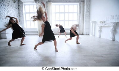 kobiety, drużyna, taniec.