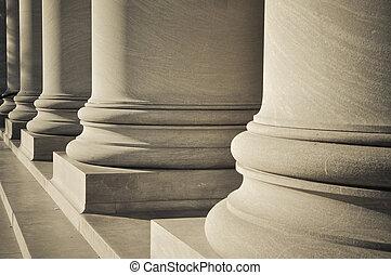 kolumny, fundacja