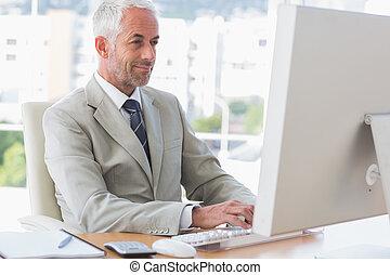 komputer, pracujący, biznesmen, szczęśliwy