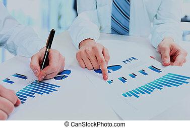konferencja, diagram., grupa, handlowy zaludniają, praca, podczas, drużyna, zameldować, finansowy, dyskutując
