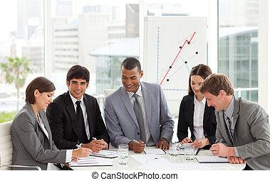 konferencja, drużyna, handlowy, multi-ethnic, stół, dookoła, posiedzenie