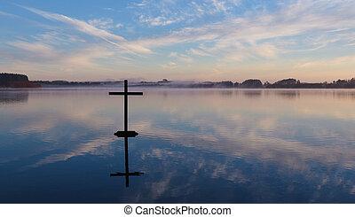 krzyż, odbicie jezioro