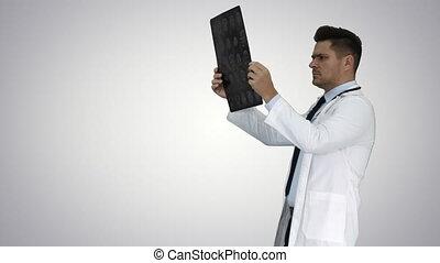 labcoat, skandować, pieszy, radiographic, nachylenie, personel, wizerunek, patrząc, tło., znowu, mri, healthcare, biały, rentgenowski, ct