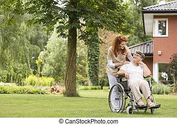 lato, kobieta, ogród, jej, dozorca, wheelchair, prywatny, day., zewnątrz, profesjonalny, podczas, senior