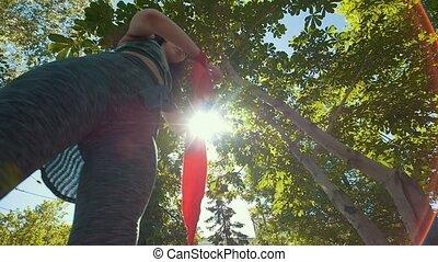 lato, kobieta, opakowanie, trening, park, młody, bandaże, pociągający, siła robocza, czerwony, przygotowując