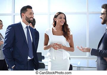 ludzie, biuro., handlowy, nowoczesny, grupa