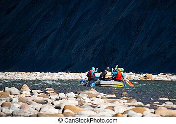 ludzie, młody, ustalać, grupa, flisactwo, rzeka, góra