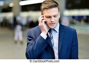 mówiąc, biznesmen, telefon, outdoors
