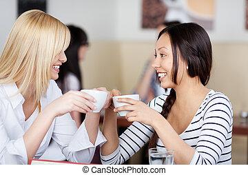 mówiąc, kawiarnia, przyjaciele, dwa, szczęśliwy