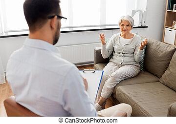 mówiąc, psycholog, kobieta, pacjent, senior
