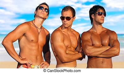 mężczyźni, plaża, odprężając