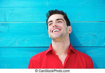 młody, outdoors, portret, uśmiechanie się, przystojny, człowiek