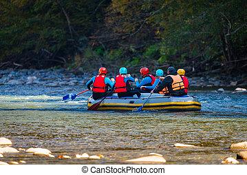 młody, rzeka, ludzie, góra, flisactwo, ustalać, grupa