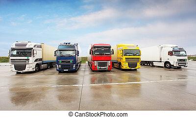 magazyn, ciężarówki, parking