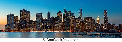 miasto, wieczorny, panorama, sylwetka na tle nieba, york, manhattan., nowy