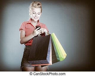 mnóstwo, zakupy, texting, telefon, dziewczyna, pinup