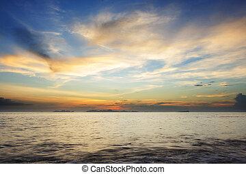 motyw morski, zachód słońca, barwny