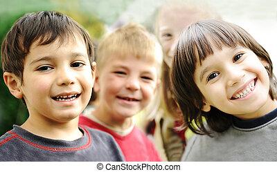 na wolnym powietrzu, razem, bez, niedbały, granica, uśmiechnięte twarze, dzieci, szczęście, szczęśliwy
