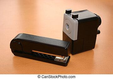 narzędzia, biurowa kasetka