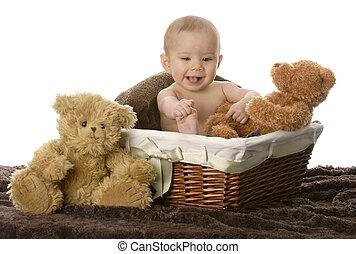 niemowlę, wiklinowy kosz