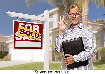 nieruchomość, dom, sprzedany, przedstawiciel, znak, przód