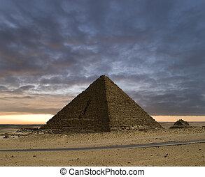 nowy dzień, piramidy