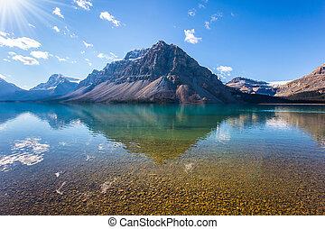 odbijał się, jezioro, góry