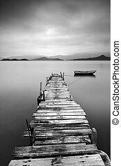 opuszczony, łódka, na, patrząc, czarnoskóry, biały, molo