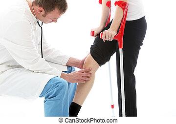 ortopedyczny, egzaminując, chirurg, babski, kolano